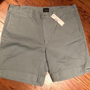 J Crew men's cotton twill shorts